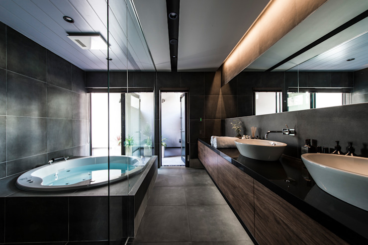 Modern Bathroom by TERAJIMA ARCHITECTS Modern