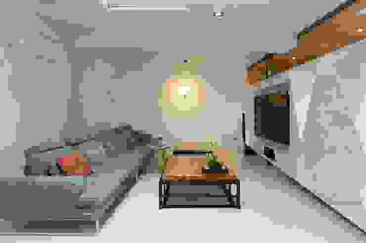 minimalist  by 衍相室內裝修設計有限公司, Minimalist