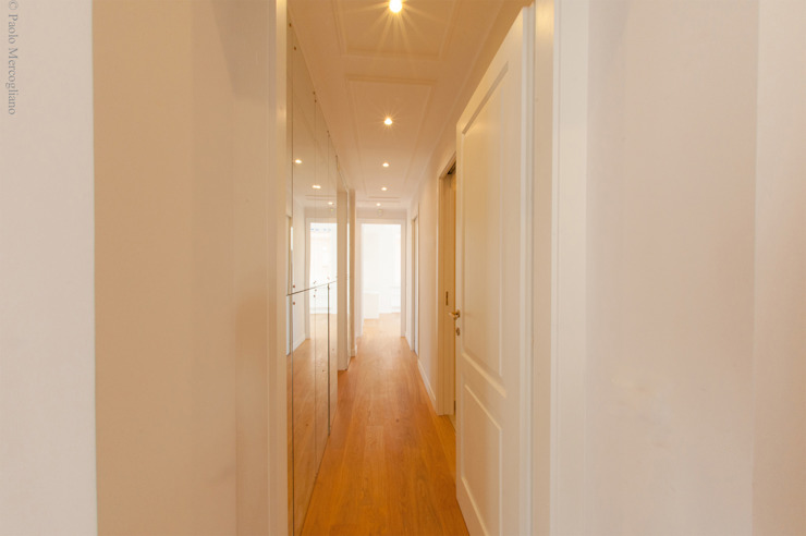 Light House Classic style corridor, hallway and stairs by NOS Design Classic