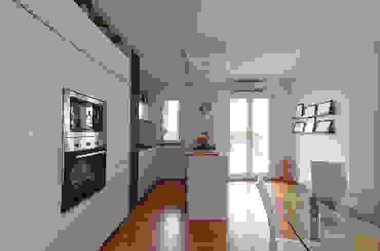 Cucina moderna di NOS Design Moderno