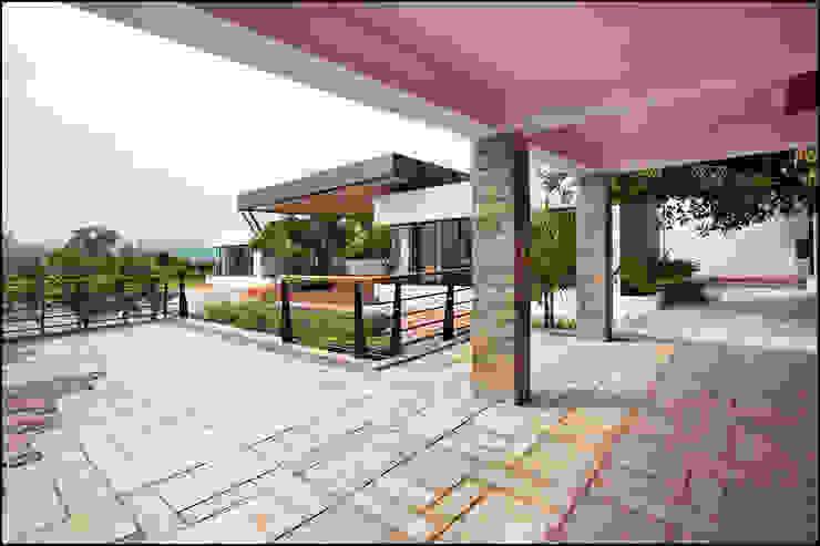 Minimalist style garden by Land Design landscape architects Minimalist