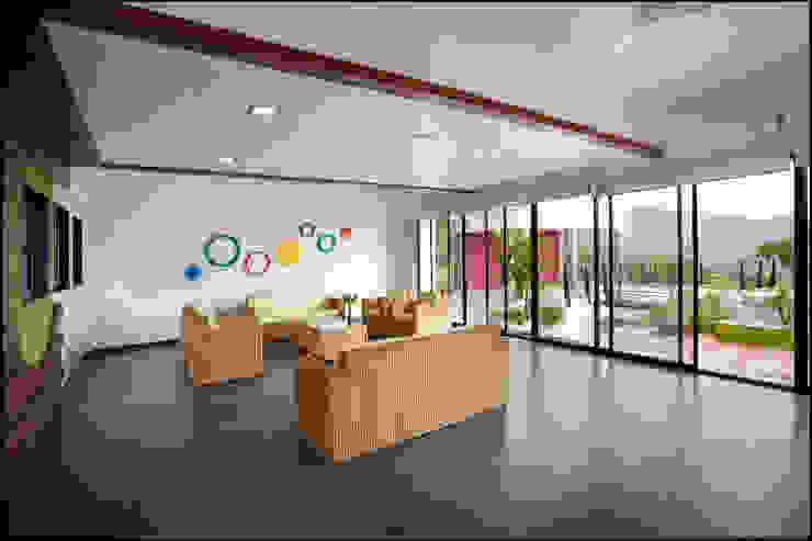 waiting area Minimalist corridor, hallway & stairs by Land Design landscape architects Minimalist