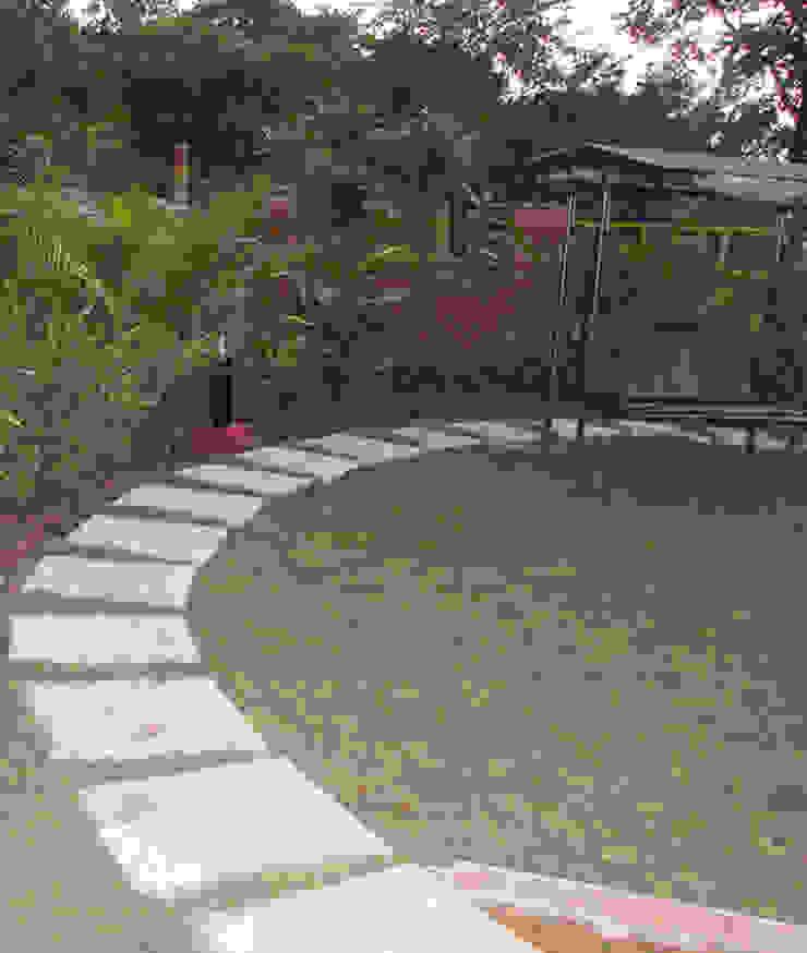 Bungalow landscape Minimalist style garden by Land Design landscape architects Minimalist