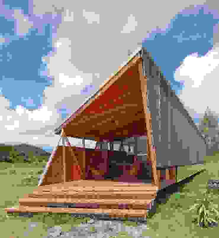 CHALET Hoteles de estilo tropical de CHALETS Y LOFTS JK Tropical Madera Acabado en madera