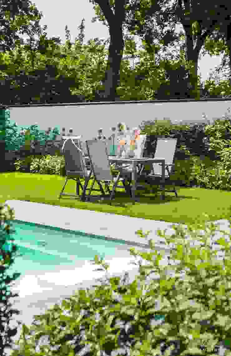 RESIDENTIAL VILLA Landelijke balkons, veranda's en terrassen van Ilse Damhuis Stijlvol Wonen Landelijk