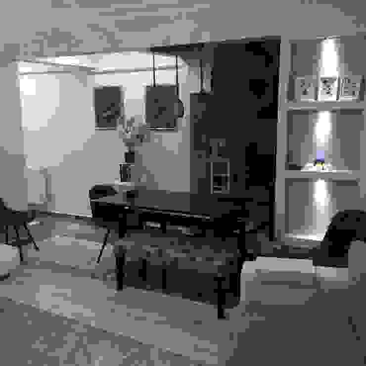 现代客厅設計點子、靈感 & 圖片 根據 rwiçmimari 現代風