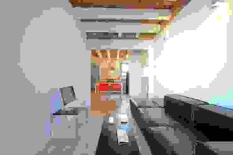 Mediterranean style bedroom by GPA Gestión de Proyectos Arquitectónicos ]gpa[® Mediterranean Solid Wood Multicolored