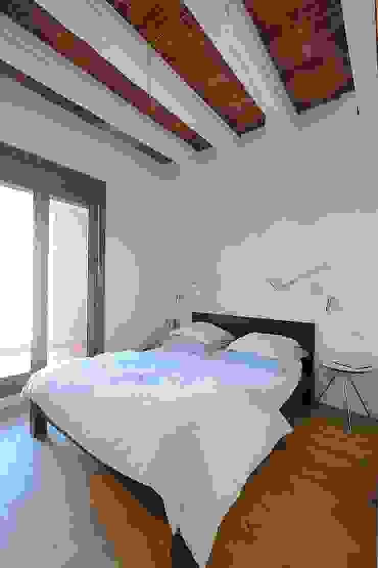 Mediterranean style bathrooms by GPA Gestión de Proyectos Arquitectónicos ]gpa[® Mediterranean Ceramic