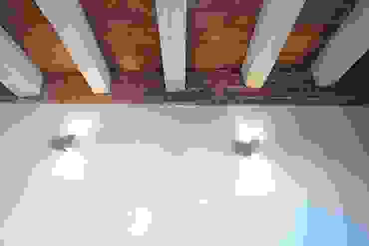 by GPA Gestión de Proyectos Arquitectónicos ]gpa[® Mediterranean Solid Wood Multicolored
