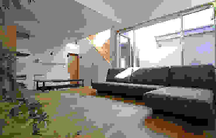 Livings de estilo  por 福田康紀建築計画, Escandinavo