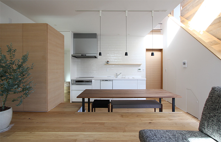 Scandinavian style dining room by 福田康紀建築計画 Scandinavian