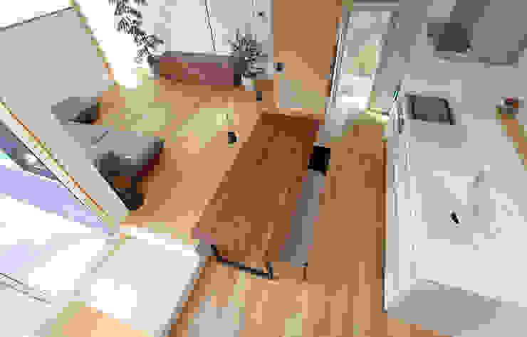 Phòng khách phong cách Bắc Âu bởi 福田康紀建築計画 Bắc Âu