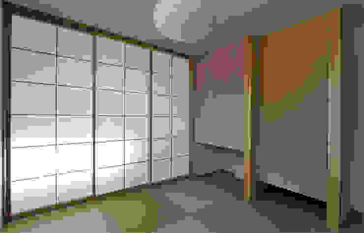 Phòng ngủ phong cách Bắc Âu bởi 福田康紀建築計画 Bắc Âu