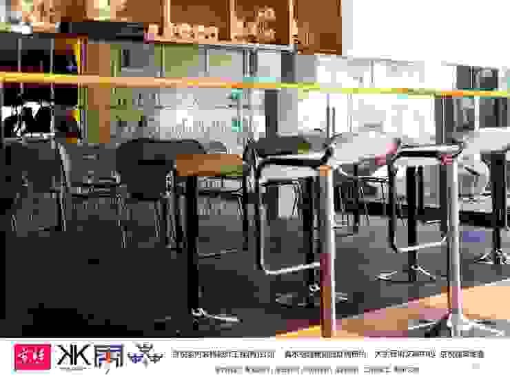 京悅設計-逗點咖啡館(逗點青少年公益商店) 根據 京悅室內裝修設計工程(有)公司 真水空間建築設計居研所 簡約風