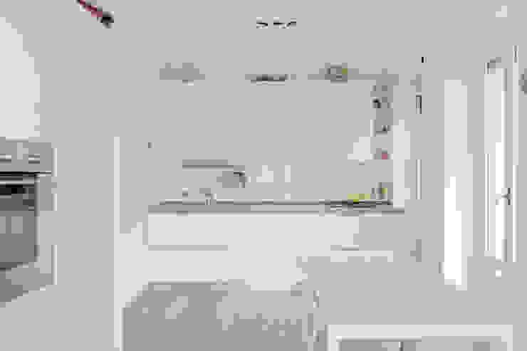 Casa Volterra Cucina moderna di Angelo Talia Moderno