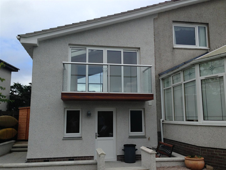 Riverside Drive, Stonehaven, Aberdeenshire Case moderne di Roundhouse Architecture Ltd Moderno