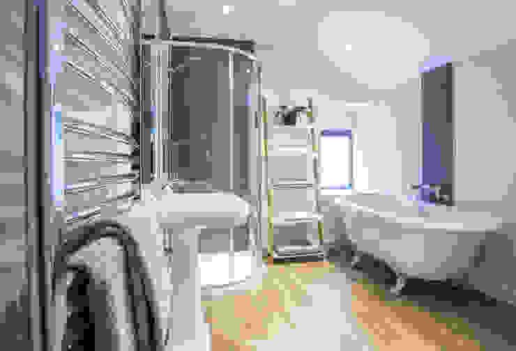 Coldwells, Alford, Aberdeenshire Roundhouse Architecture Ltd Modern bathroom