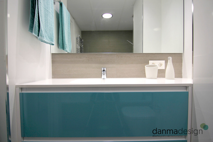 Scandinavian style bathrooms by Danma Design Scandinavian Ceramic
