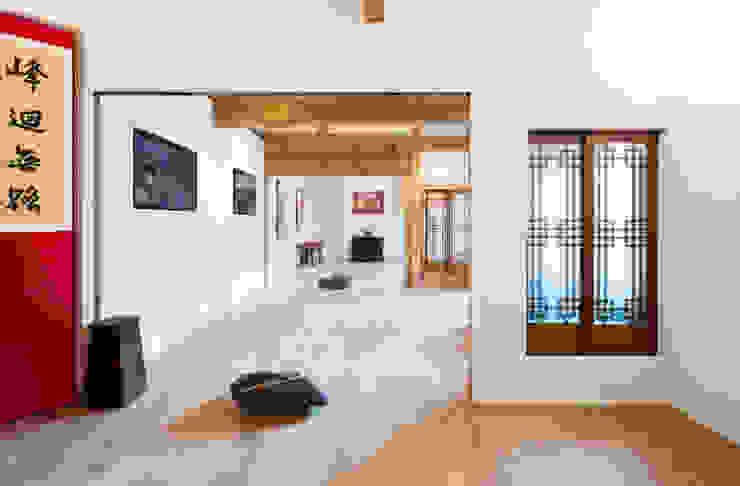 한옥에 살다 아시아스타일 거실 by Design A3 한옥 솔리드 우드 멀티 컬러