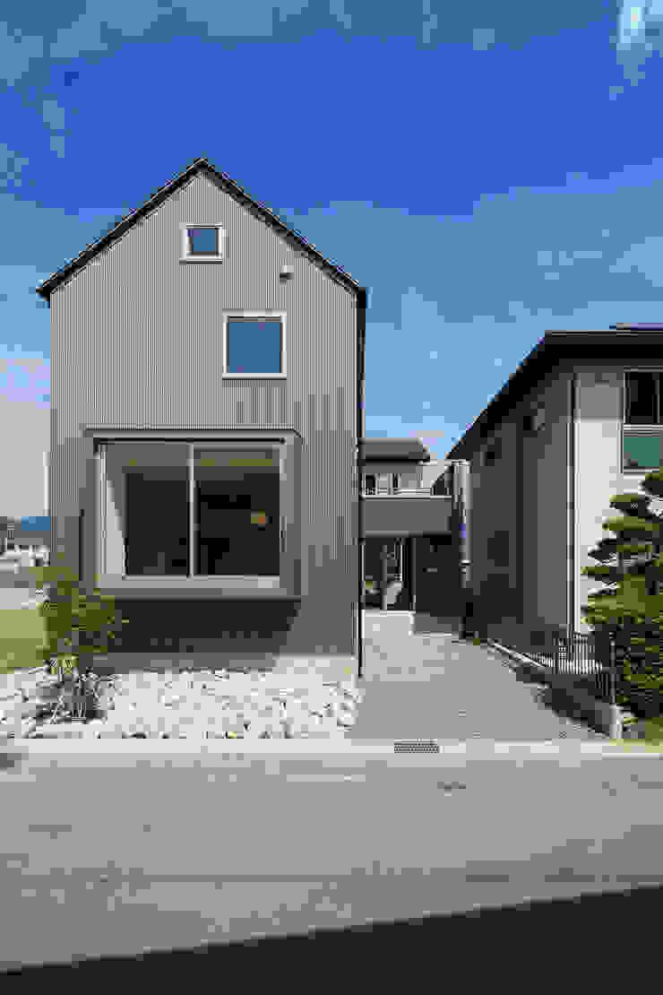 Minimalistische Häuser von スタジオグラッペリ 1級建築士事務所 / studio grappelli architecture office Minimalistisch