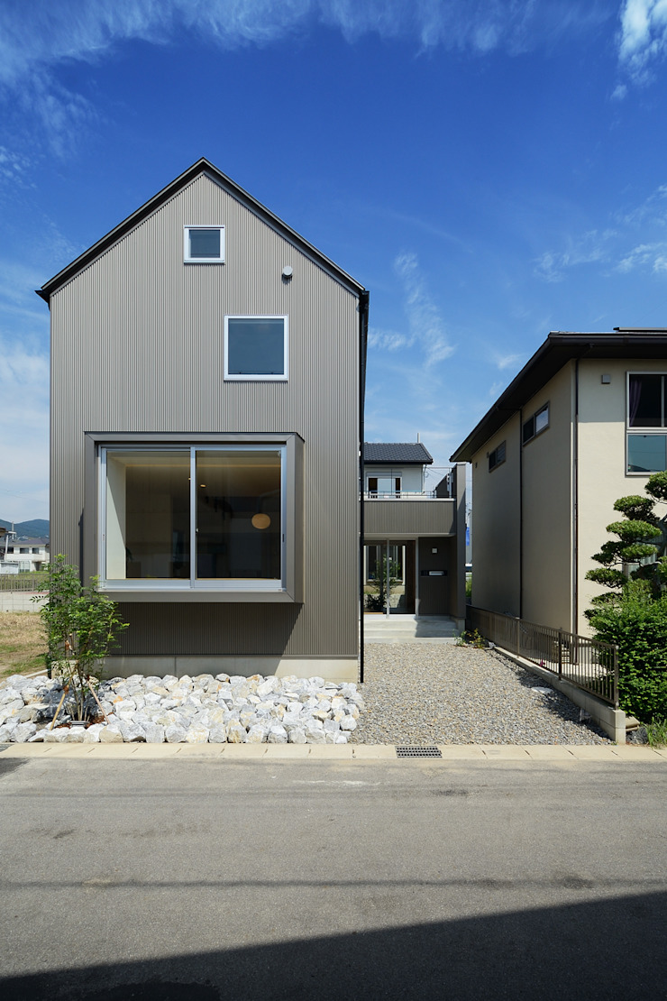 Minimalist houses by スタジオグラッペリ 1級建築士事務所 / studio grappelli architecture office Minimalist
