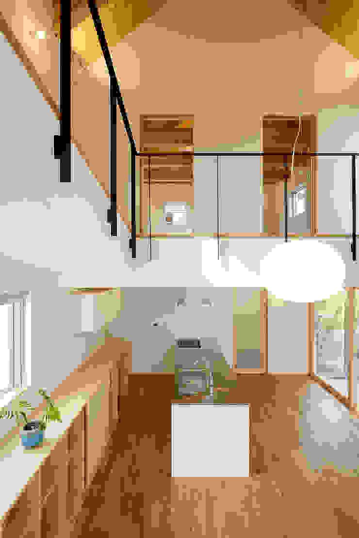 Modern media room by スタジオグラッペリ 1級建築士事務所 / studio grappelli architecture office Modern