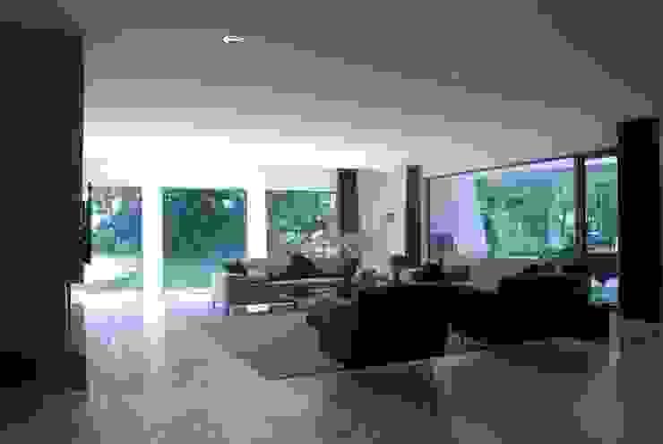 Verbouwing Woonhuis te Veghel Moderne woonkamers van Wessel van Geffen Architecten Modern