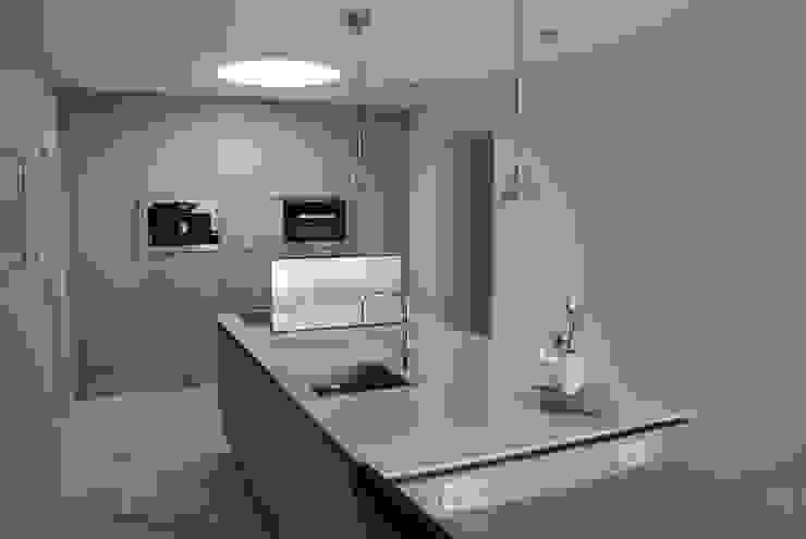 Verbouwing Woonhuis te Veghel Moderne keukens van Wessel van Geffen Architecten Modern