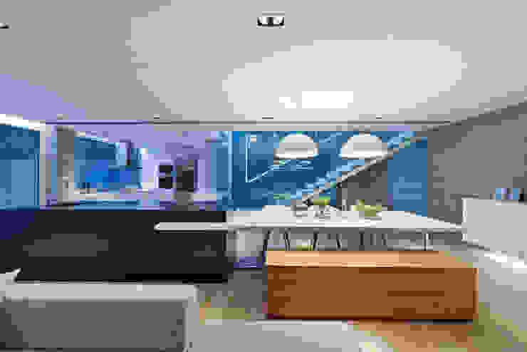 Moderne Esszimmer von Millimeter Interior Design Limited Modern