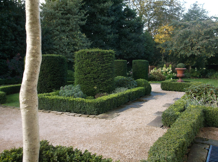 A Bowdon garden Classic style garden by Charlesworth Design Classic