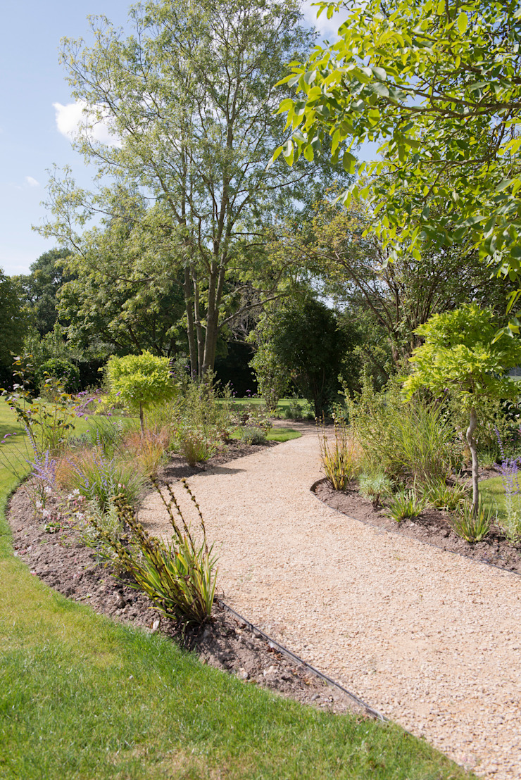 Chiltern Hills by Cool Gardens Landscaping