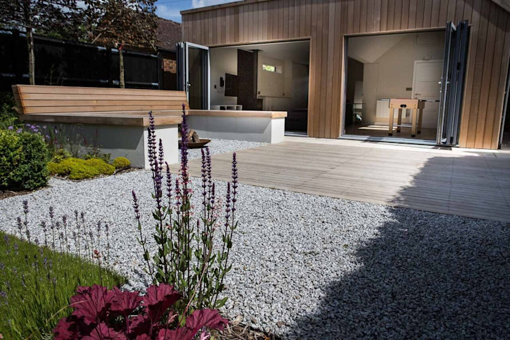 Contemporary Studio by Cool Gardens Landscaping