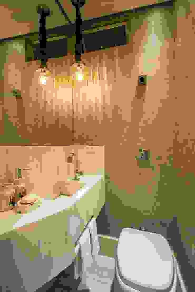 Baños de estilo ecléctico de Natália Parreira Design de Interiores e Paisagismo Ecléctico