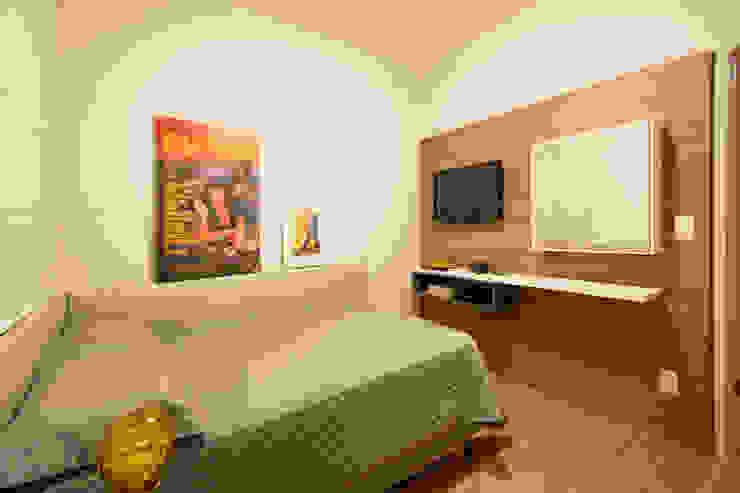 Dormitorios de estilo ecléctico de Natália Parreira Design de Interiores e Paisagismo Ecléctico