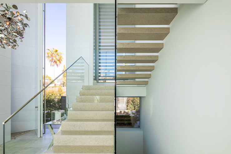 Moderner Flur, Diele & Treppenhaus von Hi-cam Portugal Modern