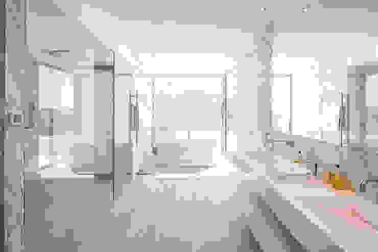 Moderne Badezimmer von Hi-cam Portugal Modern