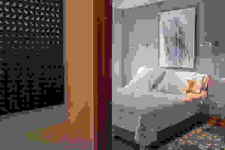 Dormitorio visitas Dormitorios de estilo ecléctico de Thomas Löwenstein arquitecto Ecléctico Madera Acabado en madera