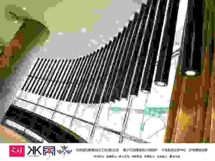 京悅設計 - 立督科技集團總部 再造 Reengineering 根據 京悅室內裝修設計工程(有)公司|真水空間建築設計居研所 簡約風 金屬