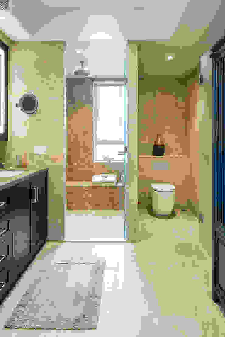 Moderne Badezimmer von Nicole Cromwell Interior Design Modern Fliesen