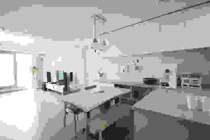 Minimalistische Küchen von homelatte Minimalistisch