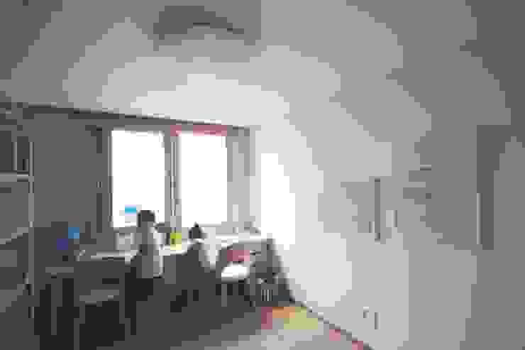 [홈라떼] 김포 34평 새아파트 민트 하우스 홈스타일링 미니멀리스트 아이방 by homelatte 미니멀