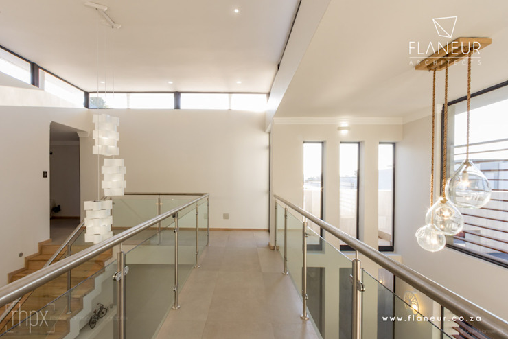 Salida del Sol Morningside Modern Corridor, Hallway and Staircase by Flaneur Architects Modern
