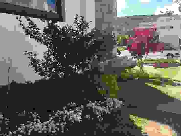 Casa VR-3M SCH2laap arquitectura + paisajismo Jardines de estilo moderno