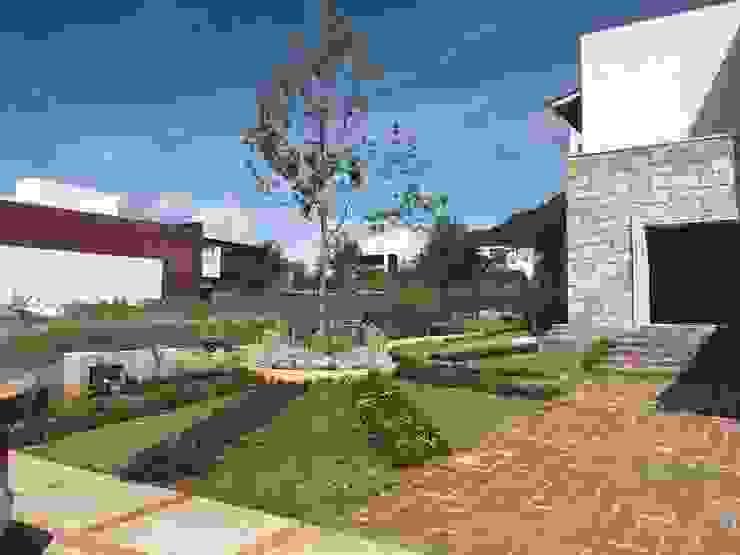 Casa VR-3M Jardines modernos de SCH2laap arquitectura + paisajismo Moderno
