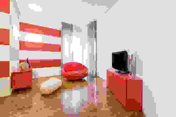 UAU un'architettura unica Ausgefallene Wohnzimmer Holz Rot