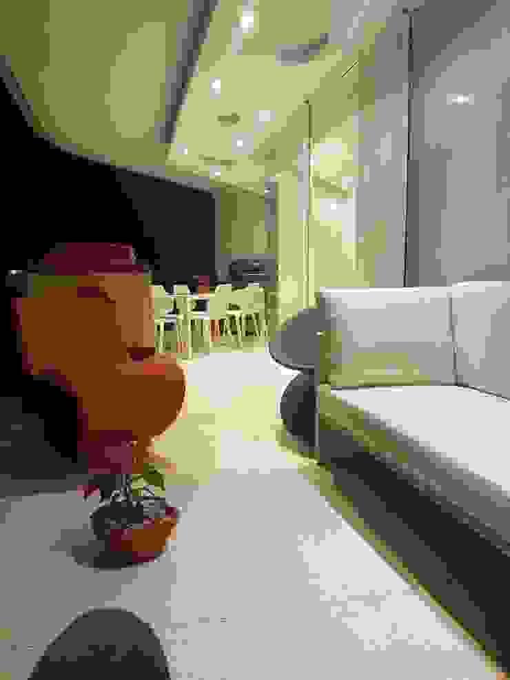 Proyecto Paraguaná THE muebles Salas de entretenimiento de estilo moderno