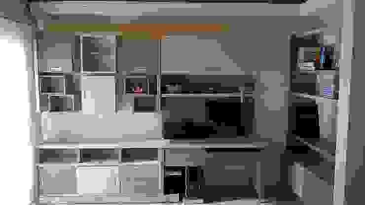 Claroscuro Diseño Interior Salas/RecibidoresEstanterías Madera