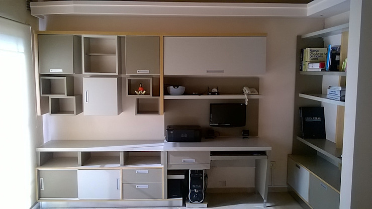 Claroscuro Diseño Interior Living roomShelves Wood