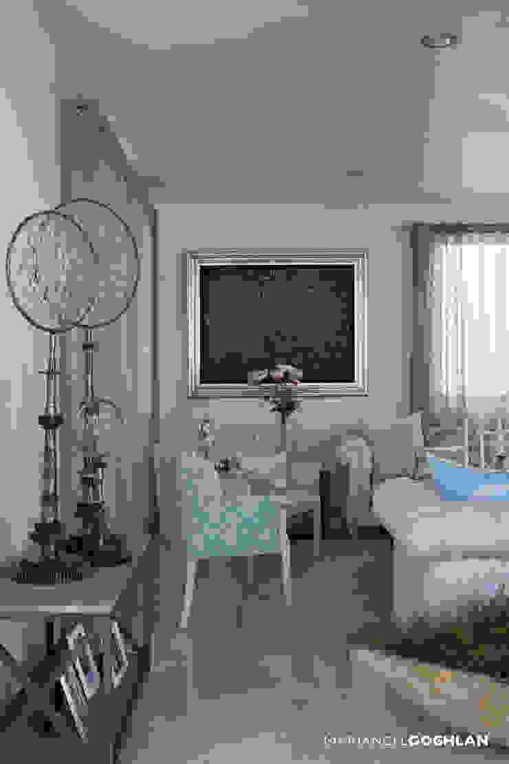 Proyecto Almendros Salones modernos de MARIANGEL COGHLAN Moderno