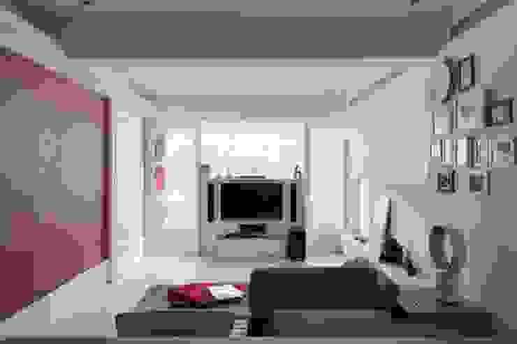 浪漫小屋 现代客厅設計點子、靈感 & 圖片 根據 誼軒室內裝修設計有限公司 現代風